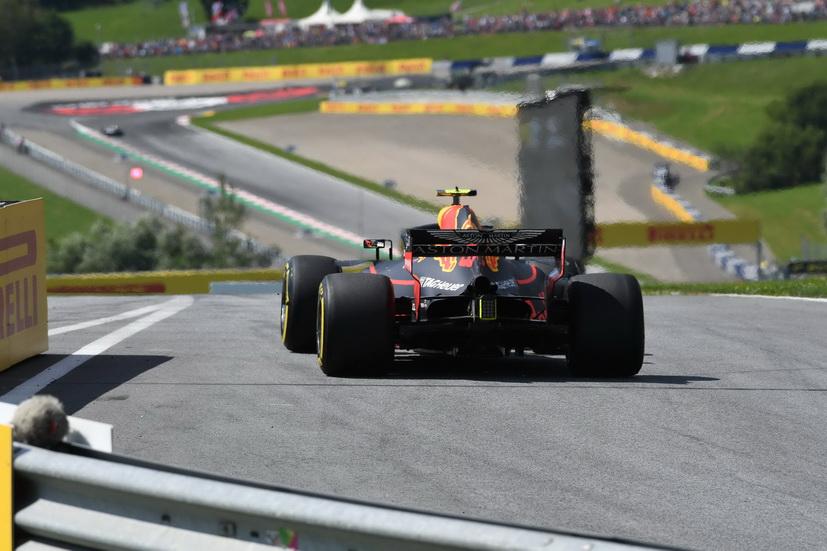 GP de Austria: victoria de Verstappen y abandono de Bottas, Hamilton y Ricciardo