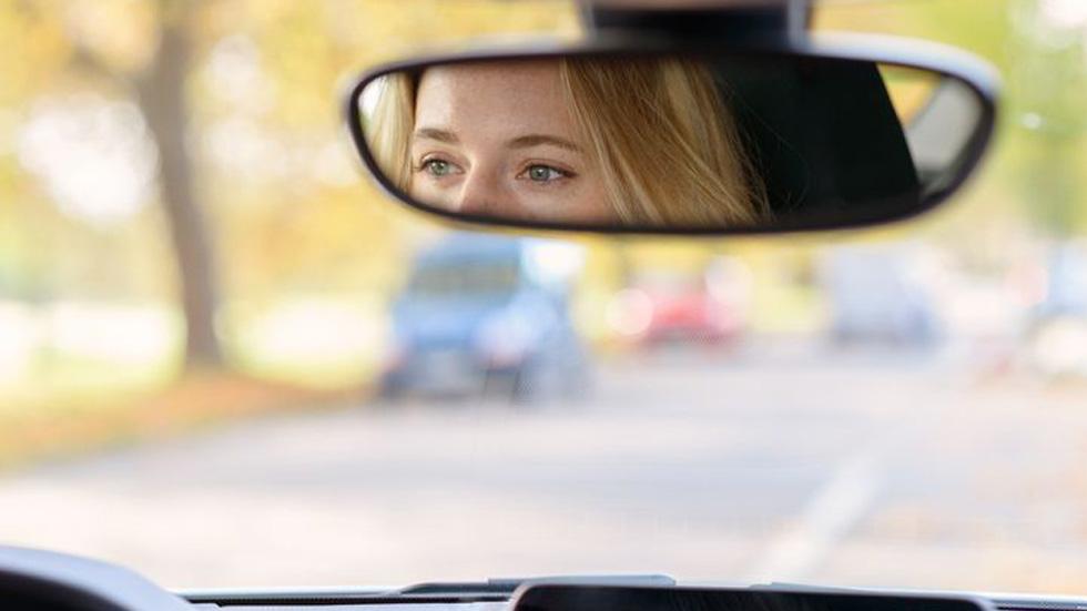 Más de 2 millones de conductores circulan sin ver tres en un burro