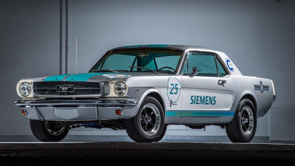 Ver para creer: así es el Ford Mustang de 1965 que conduce solo