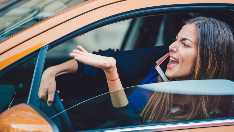 Agresividad en la conducción: causas y recomendaciones para evitarla