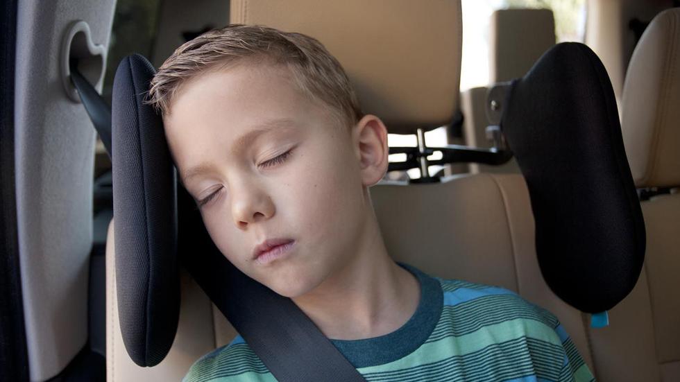 Evita los cabezazos: dormir en el coche es más fácil con el Smart Headrest