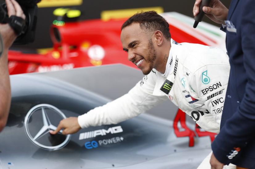 Lewis Hamilton renueva con Mercedes por dos años más