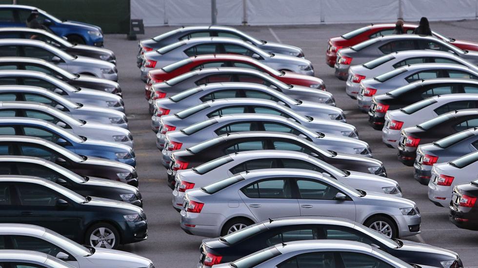 Las ventas de coches, amenazadas por el Brexit y los aranceles de Trump
