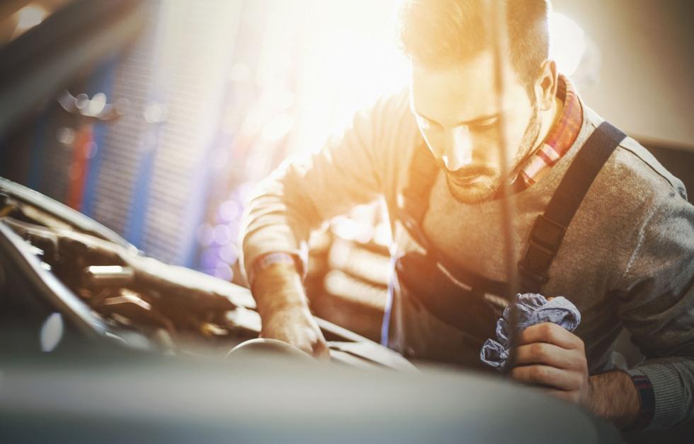 ¿Cuánto se gastan los españoles en el mantenimiento del coche?