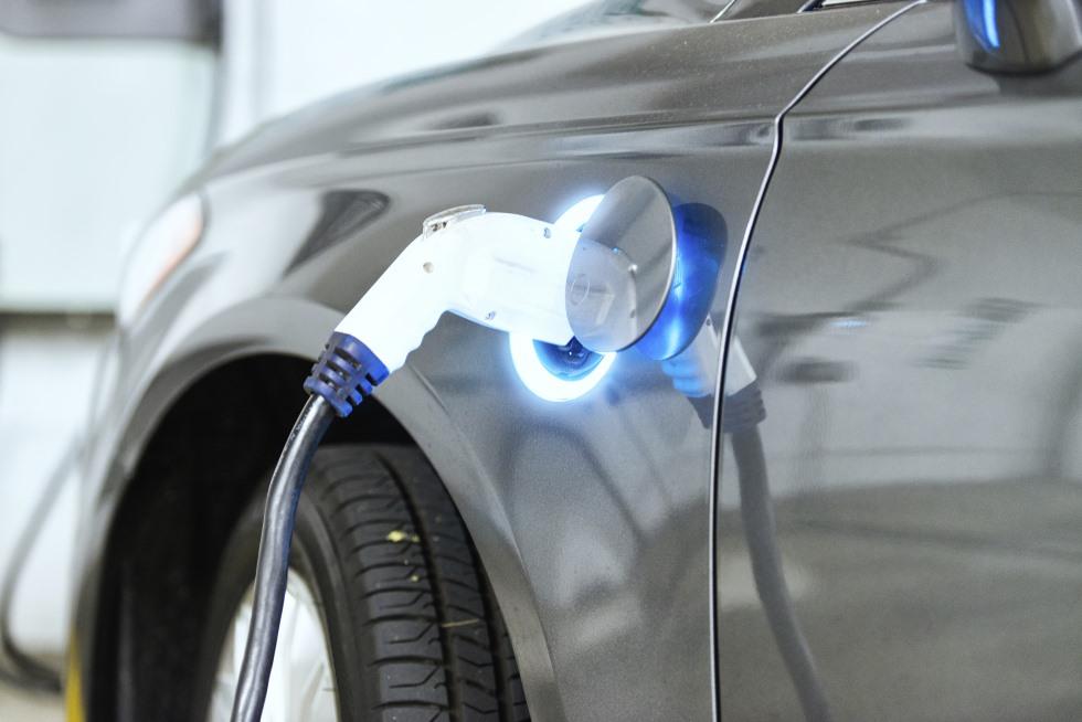 La venta de coches eléctricos se estanca en España en 2018, ¿por qué?