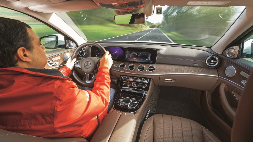 Los 10 mejores trucos para ahorrar consumo en tu coche: la conducción más eficiente