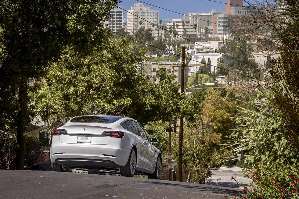 Apple ficha al jefe de ingenieros de Tesla: ¿desarrollará ya un coche eléctrico?