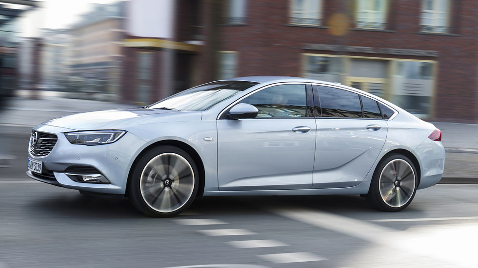 Nuevo Opel Insignia 1.6 Turbo de gasolina 200 CV: precio para España