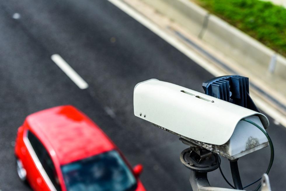 Llegan las cámaras-radar que detectan si tu coche tiene la ITV
