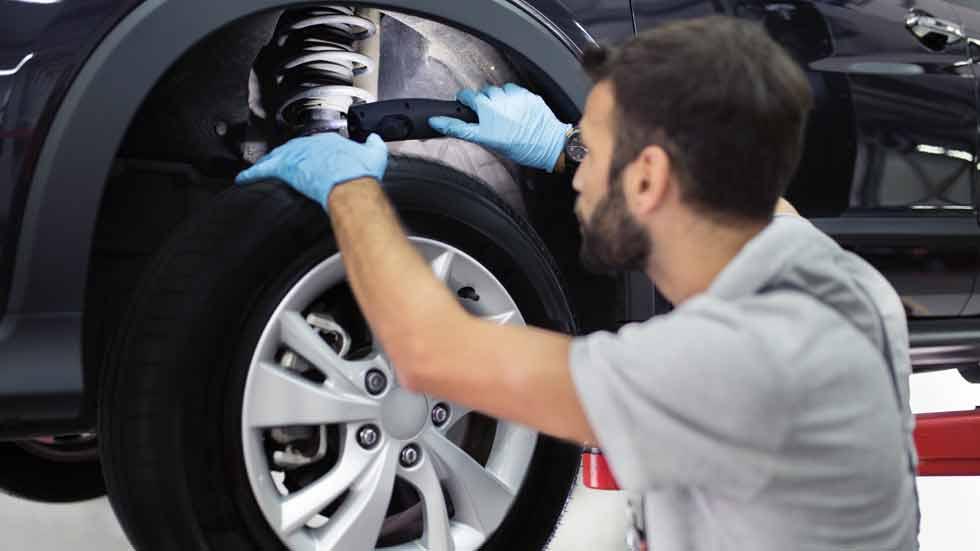 ¿Cuánto cuesta cambiar los amortiguadores del coche en España?