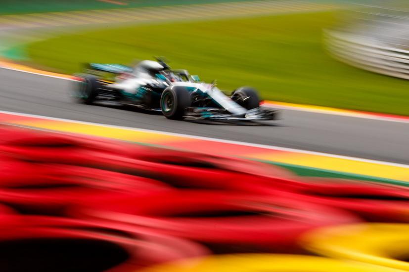 """GP de Bélgica (calificación): pole position para Lewis Hamilton gracias a un """"chaparrón"""""""