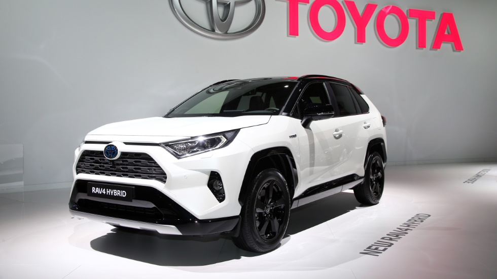 toyota rav4 hybrid o lexus nx cu l me compro y hay ganador. Black Bedroom Furniture Sets. Home Design Ideas