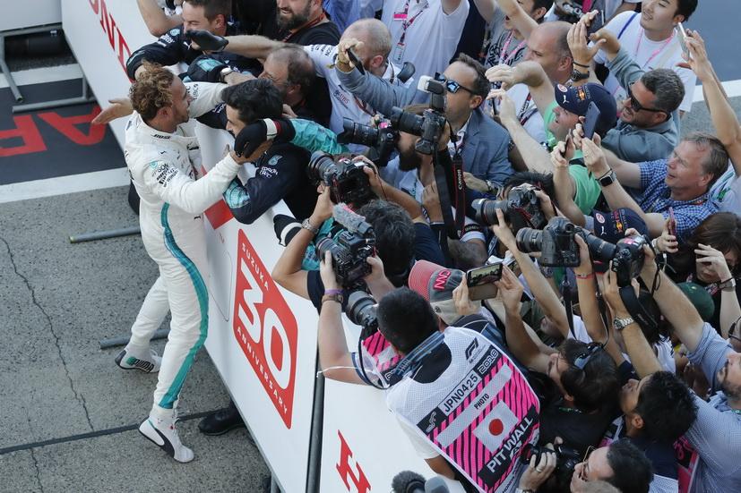GP de Japón: Hamilton acaricia el título tras su victoria