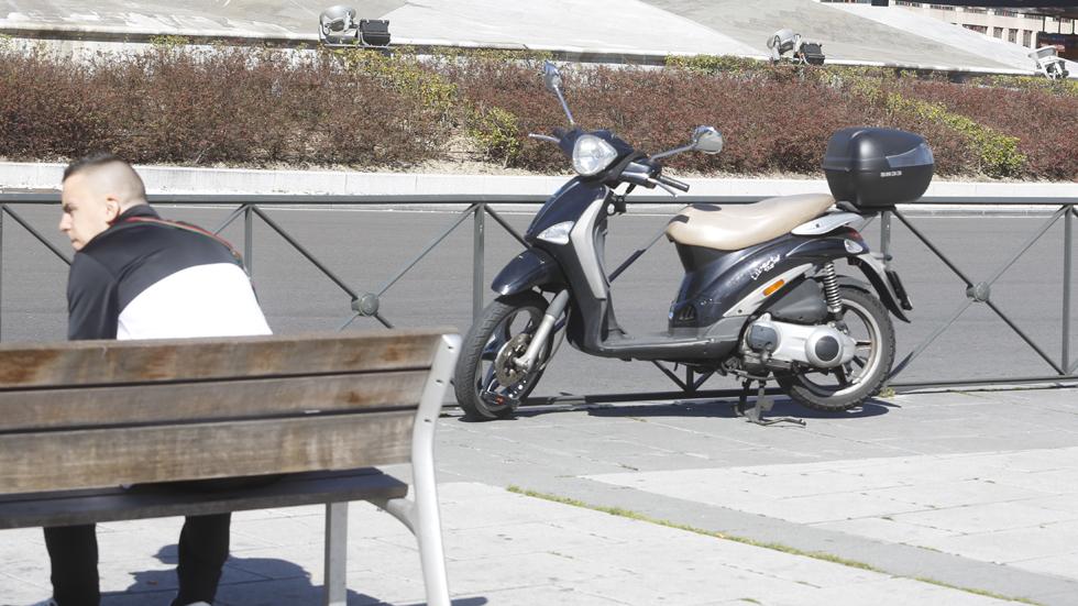 Las motos ya no pueden aparcar en todas las aceras de Madrid: descubre dónde