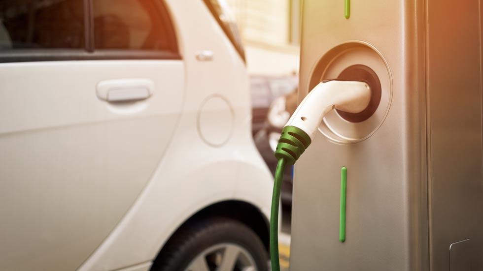 Google Maps ya te avisa de puntos para recargar tu coche eléctrico