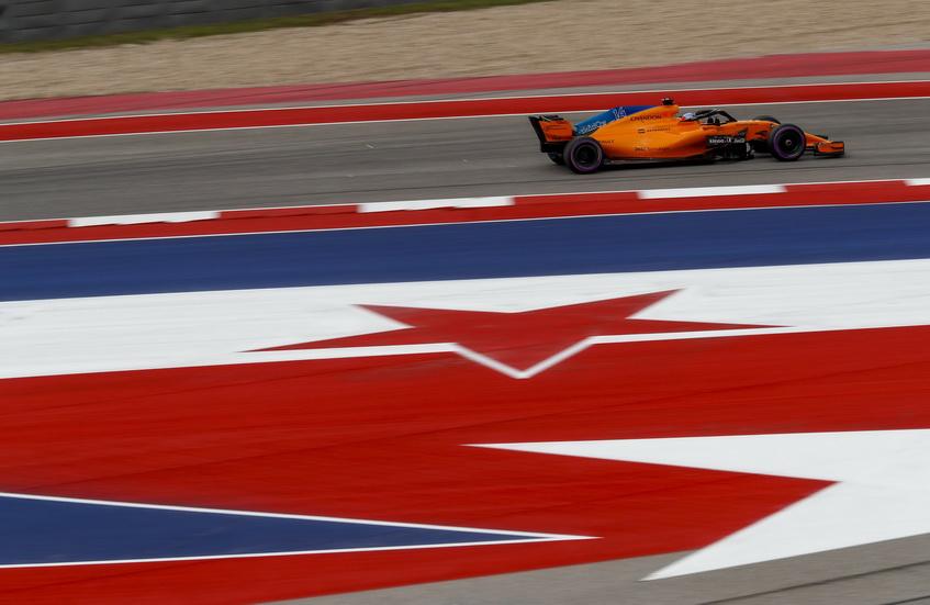 GP de USA: Alonso muy enfadado, abandona empujado por Stroll