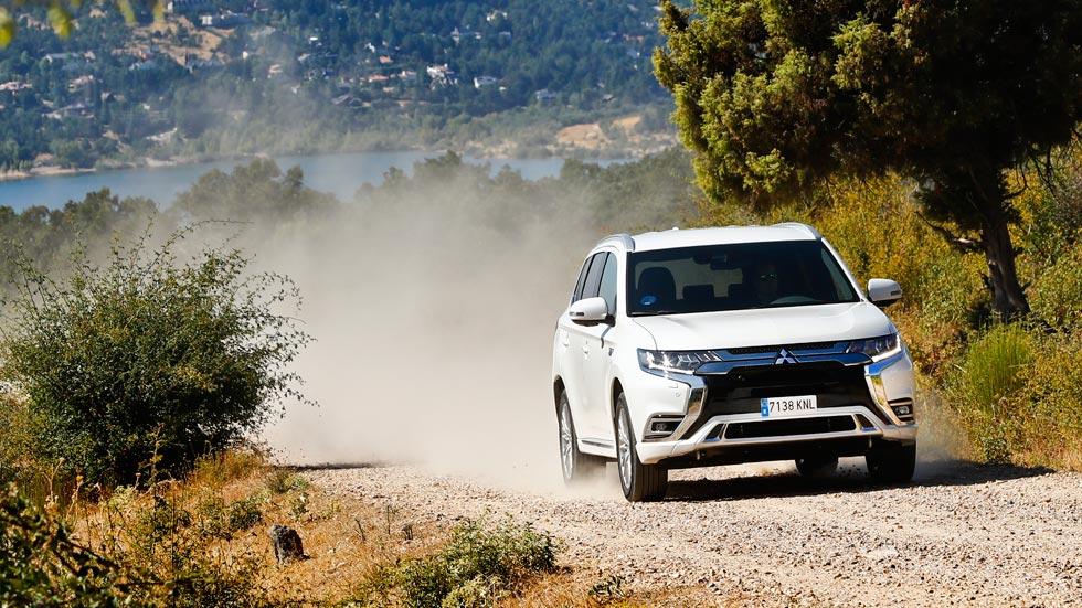 Mitsubishi Outlander PHEV: un SUV con el que llegarás más lejos (VÍDEO)