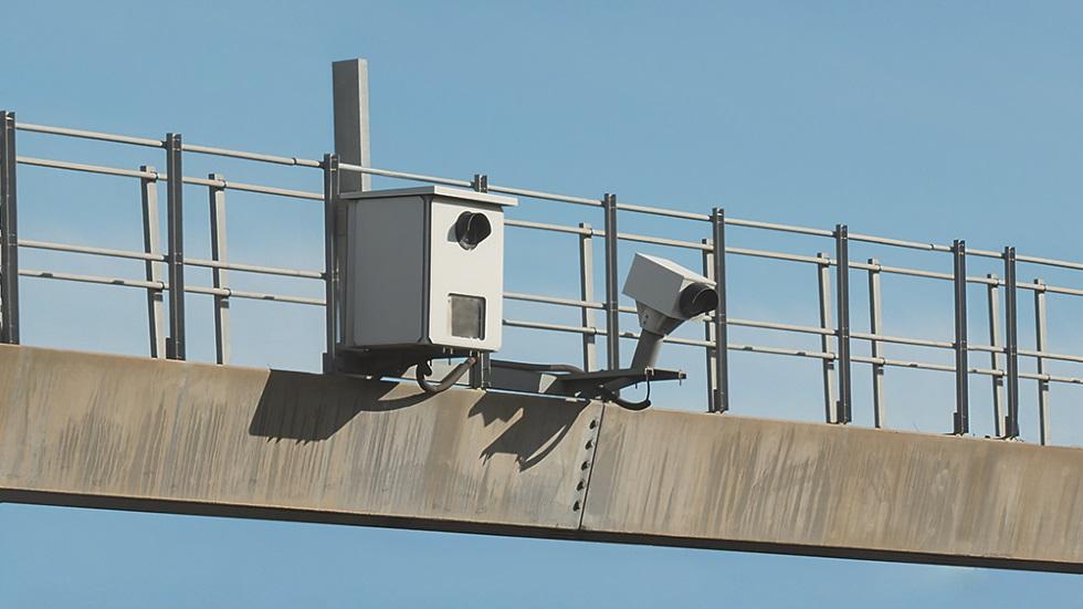 Los radares de ITV de la DGT están multando a coches que la han pasado
