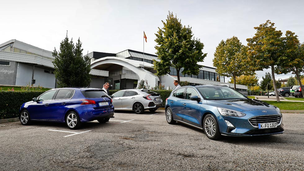 Revista Autopista 3073: nuevo Ford Focus frente a Peugeot 308 y Honda Civic