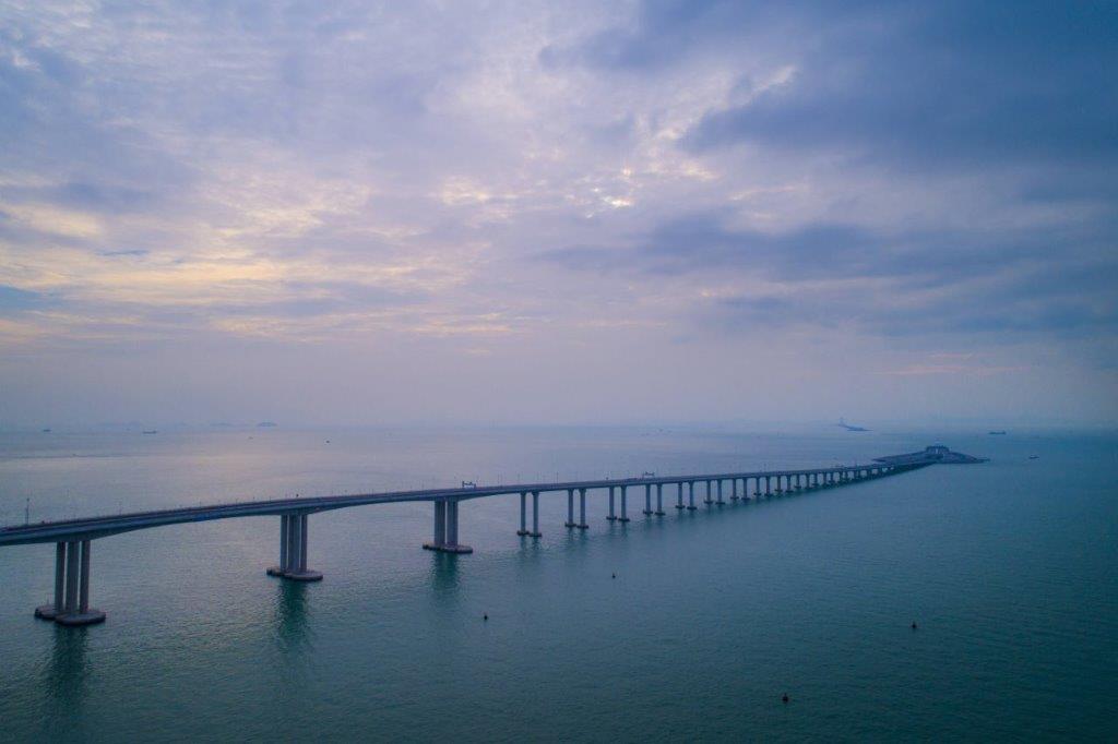 Así es el puente marítimo más largo del mundo