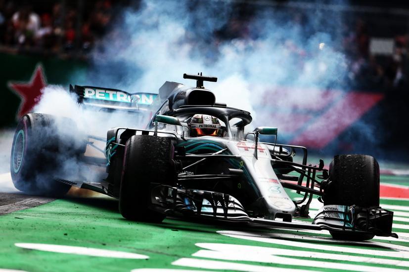 """GP de México: """"es surrealista poder igualar a Fangio"""", dice Hamilton"""