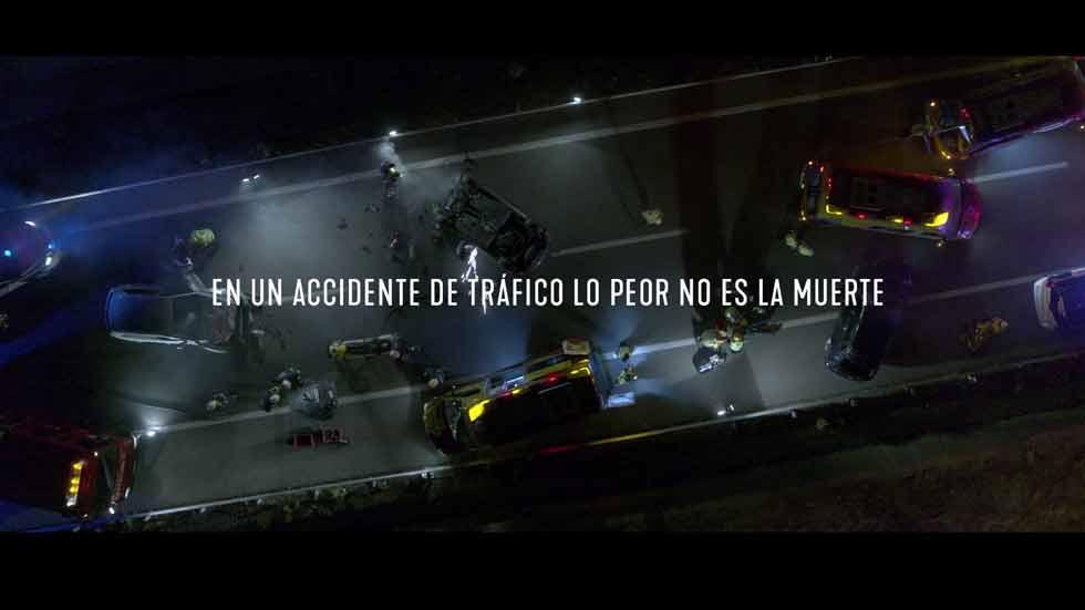 """Vivo o muerto: la nueva campaña de una DGT que vuelve a la """"línea dura"""" (VÍDEO)"""