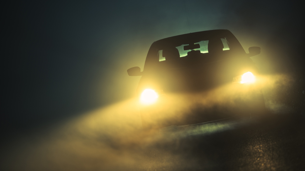Si tienes un coche negro, vigila: la Guardia Civil te avisa