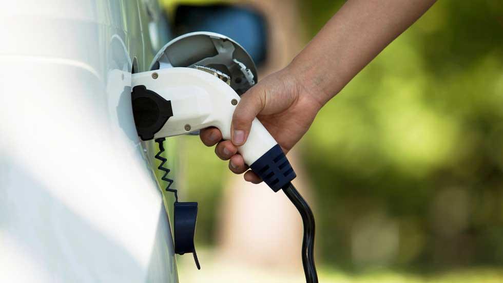 Más del 90 por ciento de los españoles, a favor de la subvención de los coches eléctricos