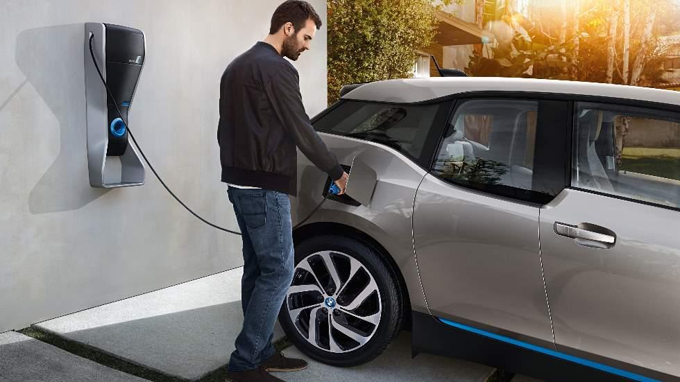 Las ventas de coches híbridos y eléctricos comienzan a despegar
