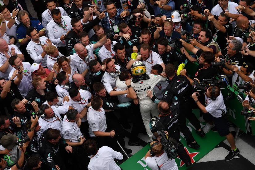 GP de Brasil: Hamilton gana y Mercedes consigue el 5º título