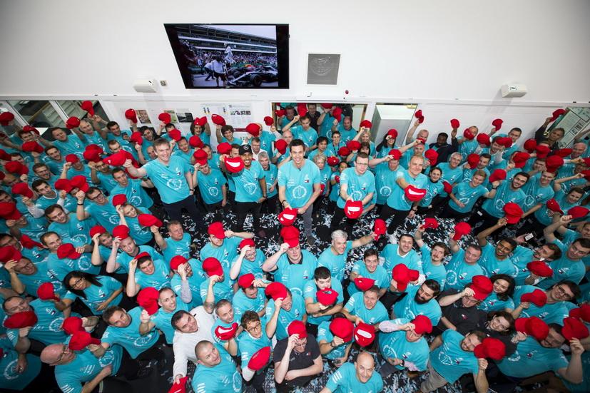 Celebraciones de Mercedes tras el quinto título