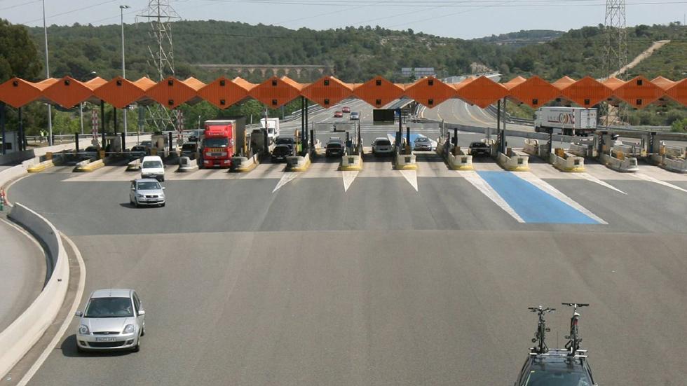 El Gobierno ya tiene fecha para que pagues por usar las autovías y autopistas