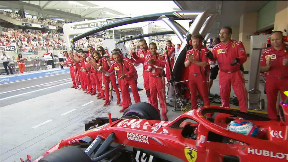 GP de Abu Dabi: a Raikkonen le homenajean sus compañeros en Ferrari