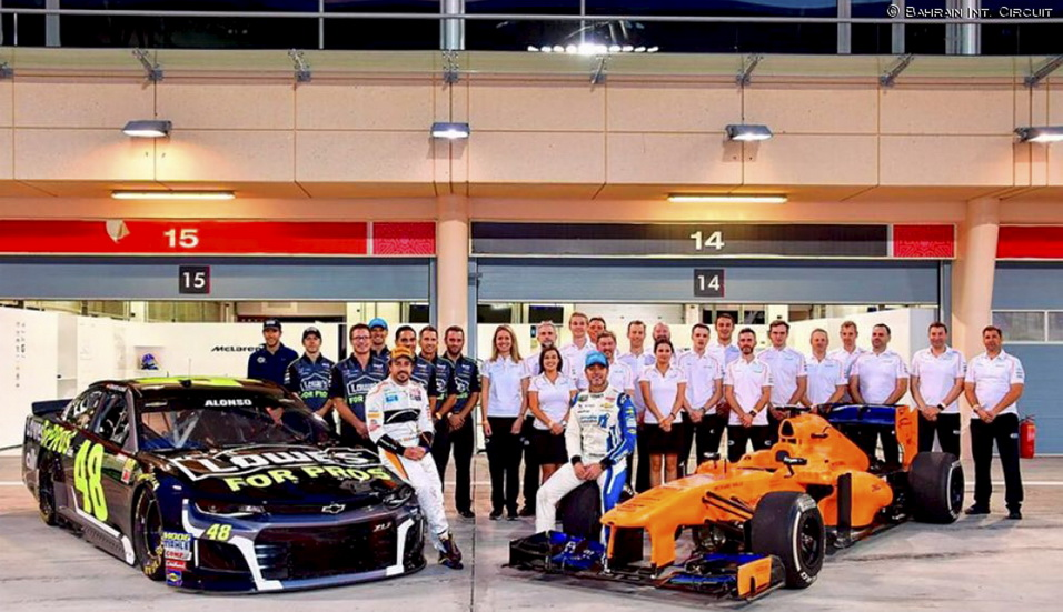 Alonso, 3 segundos mejor que Johnson con el coche de Nascar