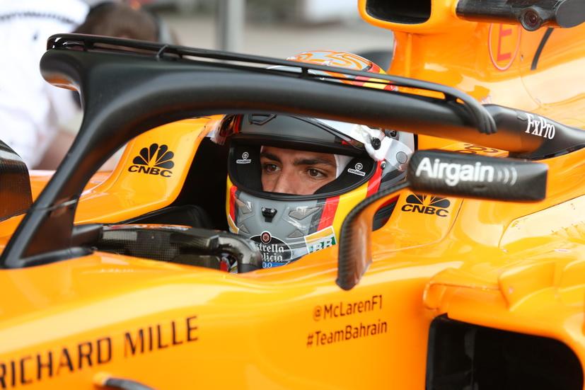 Sainz ya pilota el McLaren en Abu Dhabi