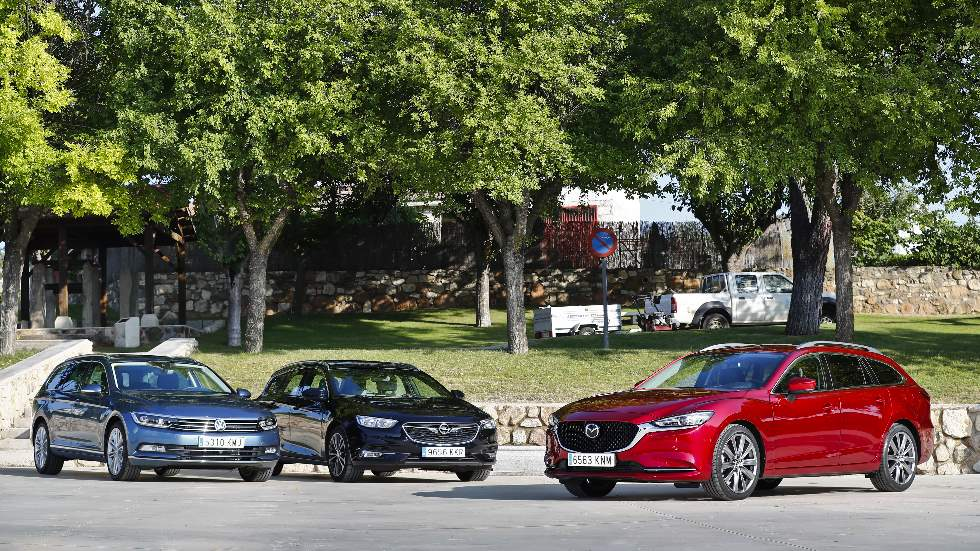 Mazda6, Opel Insignia y VW Passat: buscamos y medimos la mejor berlina familiar