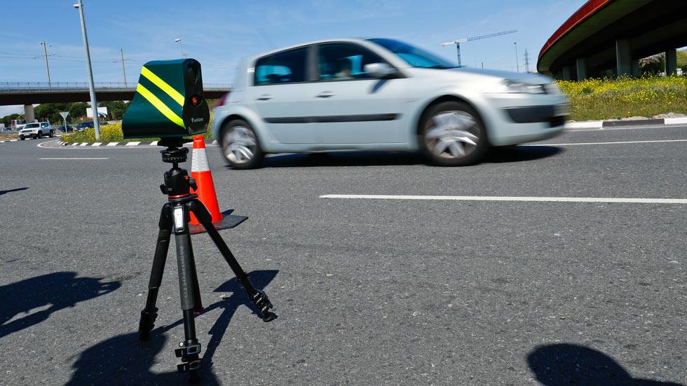 Todo sobre los radares Velolaser: qué son, cómo multan y dónde están en el puente