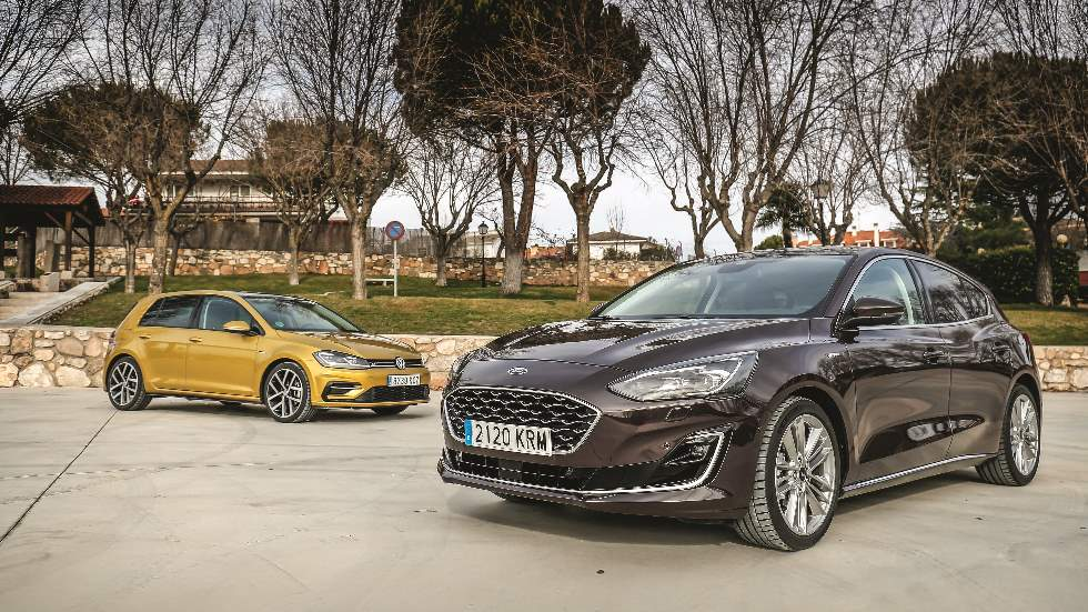 Sumario Autopista 3083: Ford Focus vs VW Golf, los comparamos con motor de gasolina