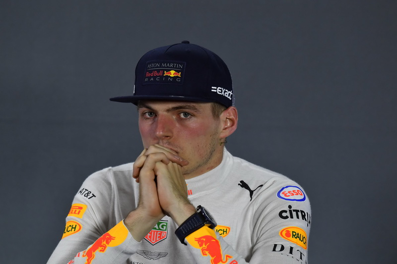 """Verstappen """"cumple parte de su condena"""""""