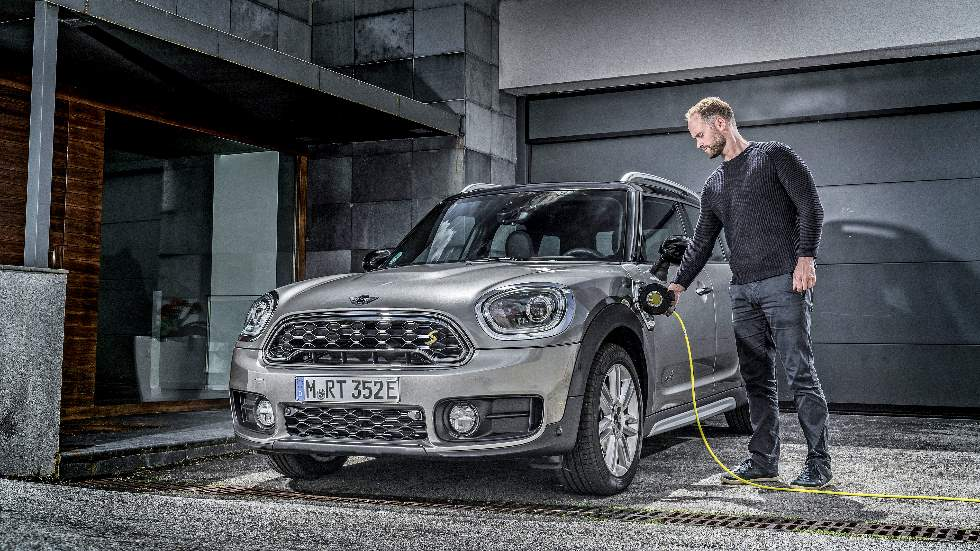 MINI Countryman híbrido enchufable: un SUV para todo