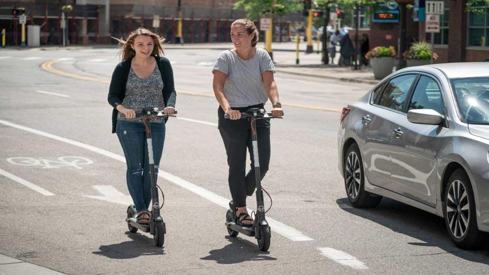 Además de seguro, la DGT exigirá un carné para usar patinete eléctrico