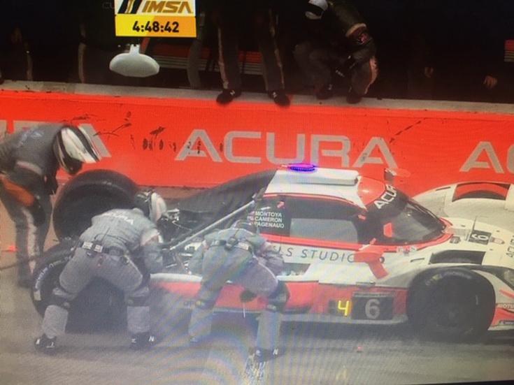 24 Horas de Daytona: el Acura nº 6 de Montoya/Pagenaud/Cameron en boxes