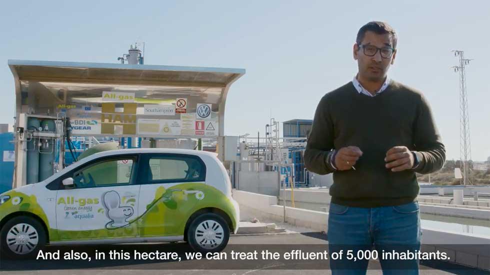 Así es el coche que funciona con residuos de aguas fecales (vídeo)