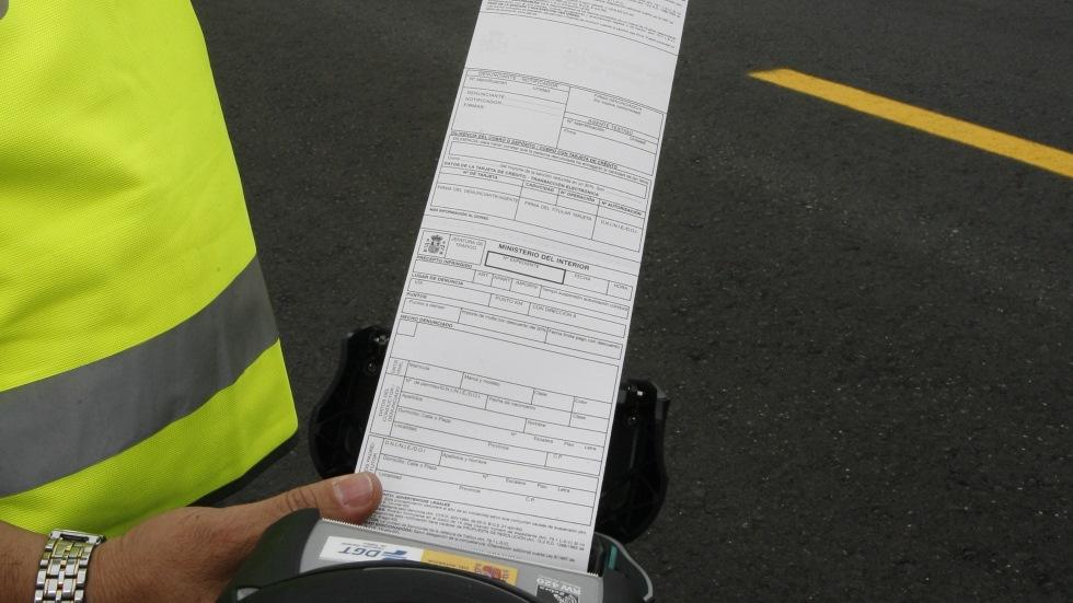 Las multas de hasta 3.000 € que puede ponerte la DGT por tu despiste… y desconoces
