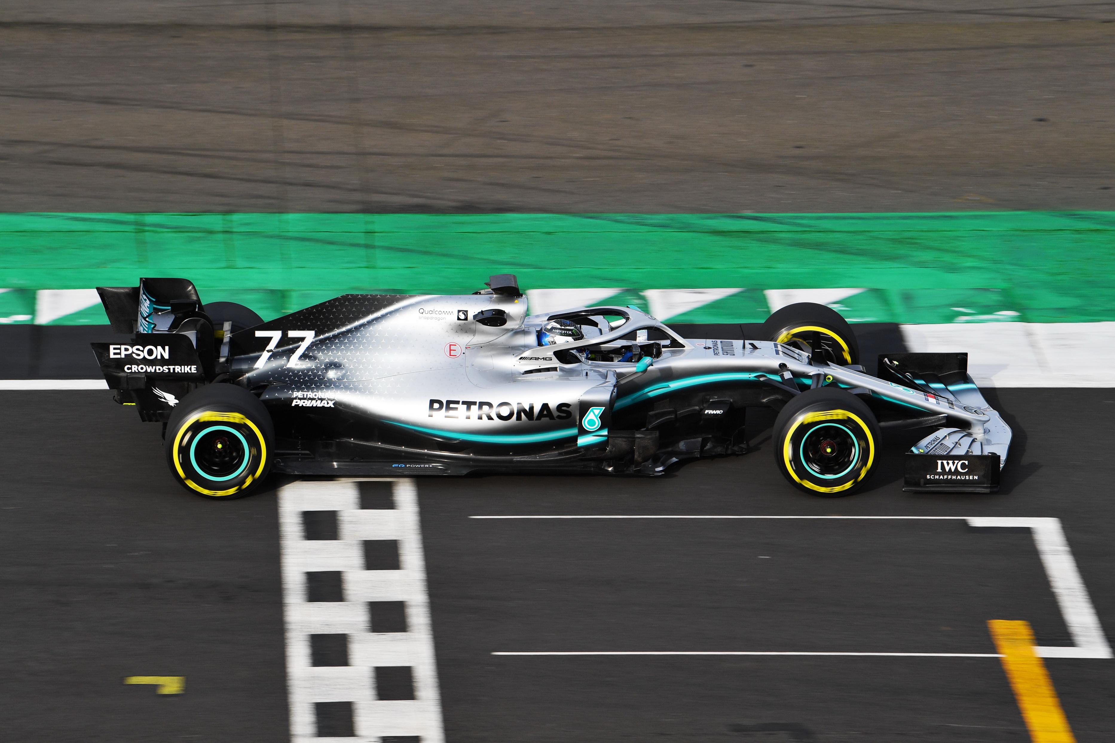 Fórmula 1: Mercedes enseña el W10 sin tapujos