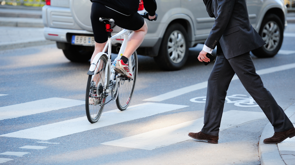 El PSOE promete centros urbanos peatonalizados y sin coches contaminantes