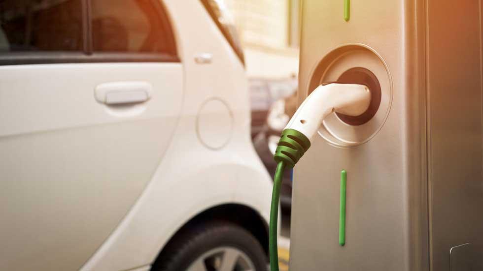 ¿Cuántos coches eléctricos hay de verdad en España?