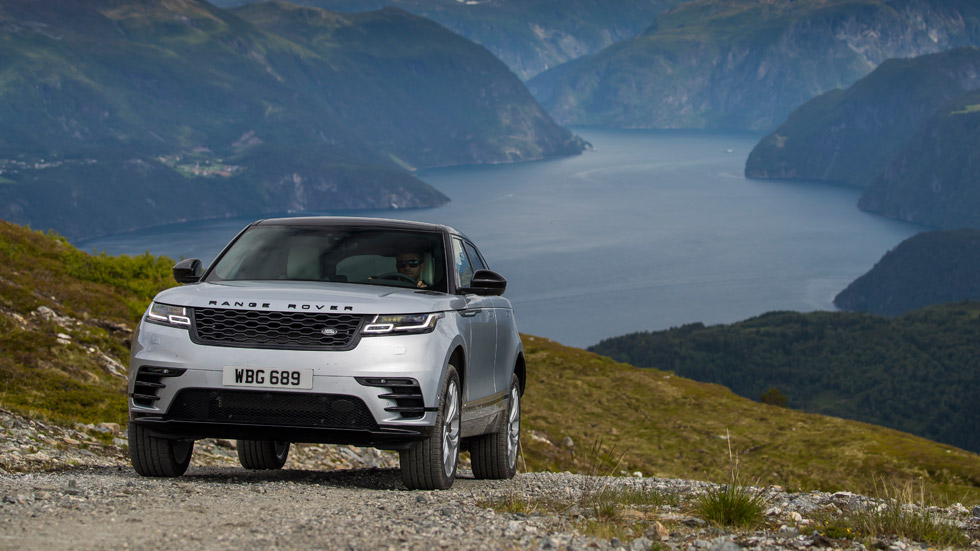 Range Rover Velar, un SUV cargado de sofisticación y deportividad… ¡algo diferente!