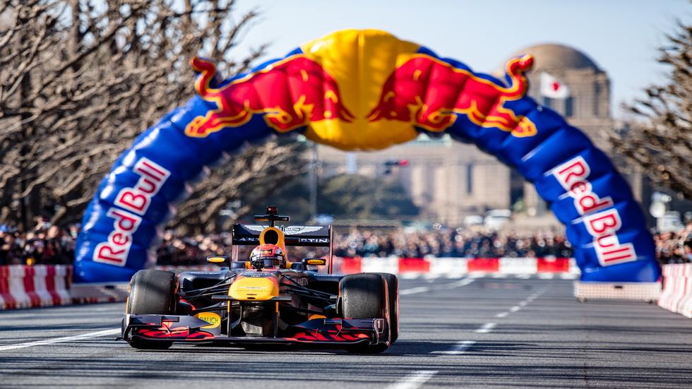 Fórmula 1: los Red Bull por las calles de Tokio