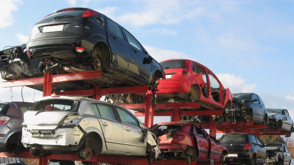Desguaces y talleres robaban y despiezaban coches: ¡más de 800 en 9 meses!